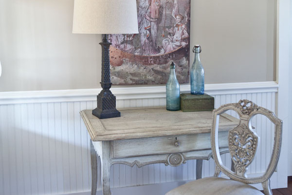 arched-art-over-desk