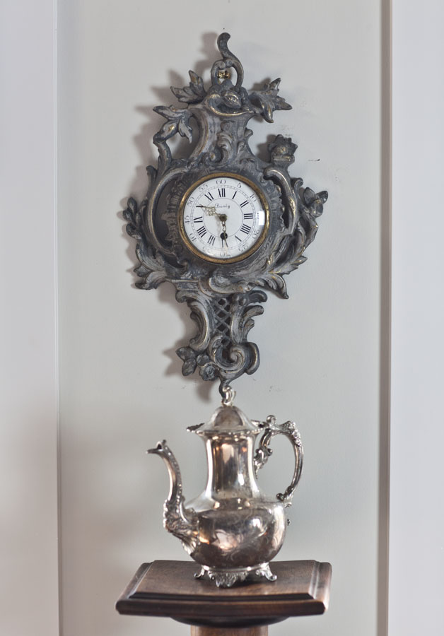 clock-with-amy-howard-paint