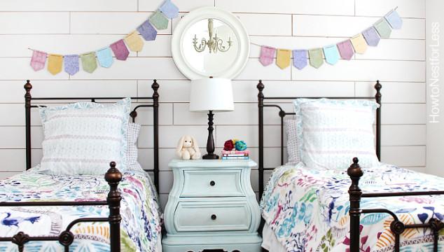 white-plank-wall-girls-bedroom