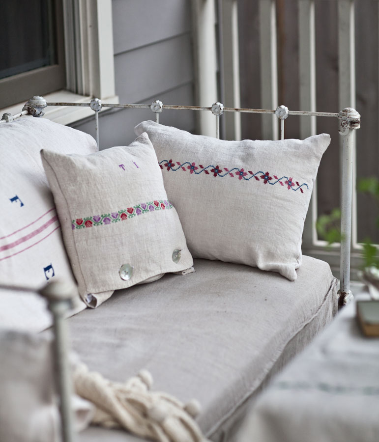 If You Donu0027t Have A Pleasant Place To Sit, Then No One Is Going To Want To  Be On The Porch. I Really Work Hard To Make My Porch Inviting And Have ...