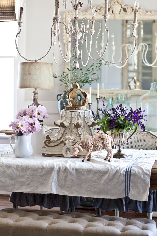 dining-table-with-lamb
