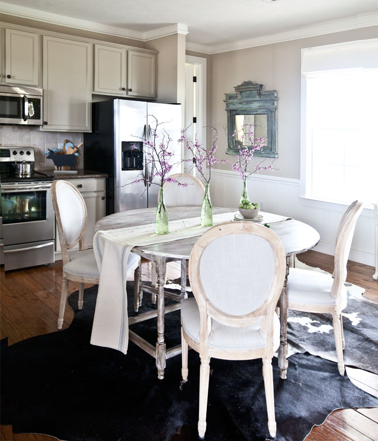 farm-kitchen-with-cowhide-rug