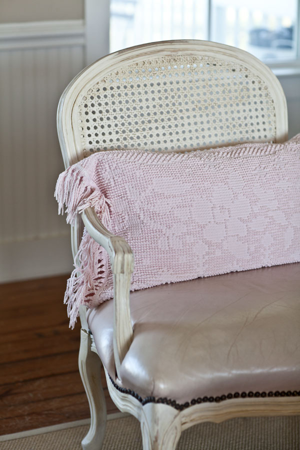 pink-chenille-pillow