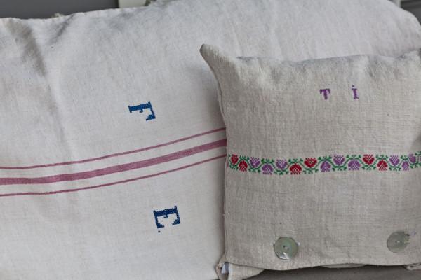 vintage-linen-pillows