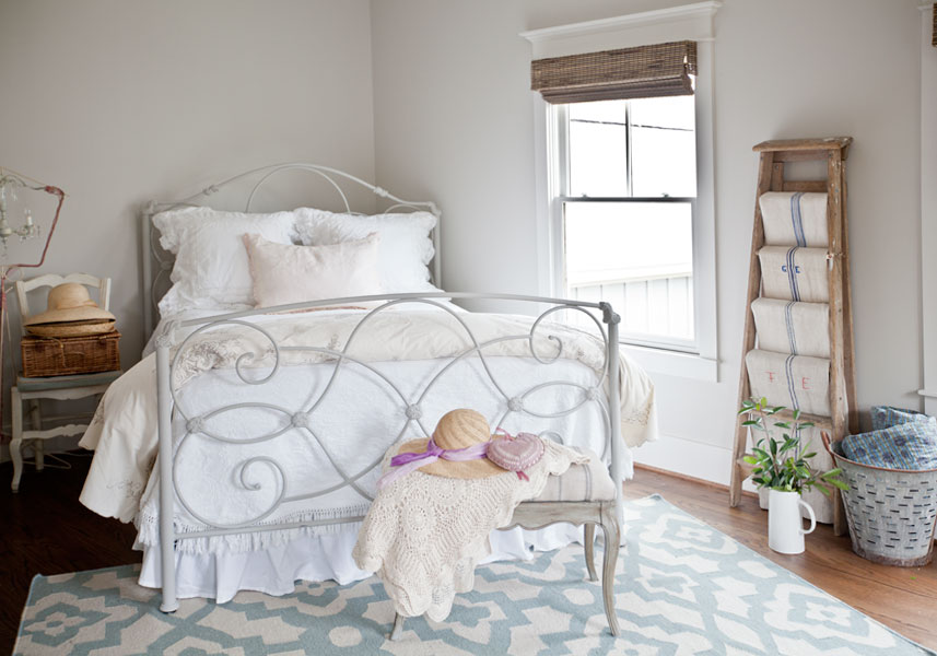 gray-bed