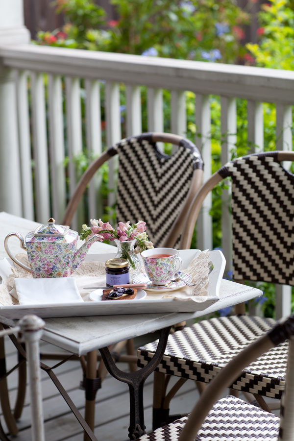 breakfast-tray-on-porch