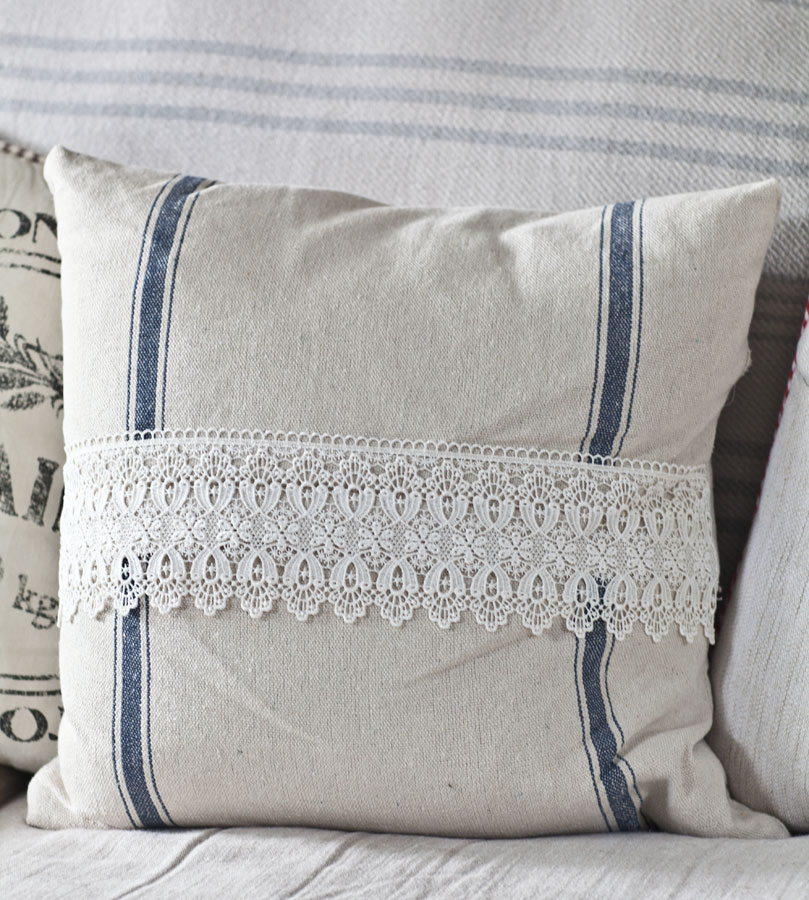 lace-front-pillow