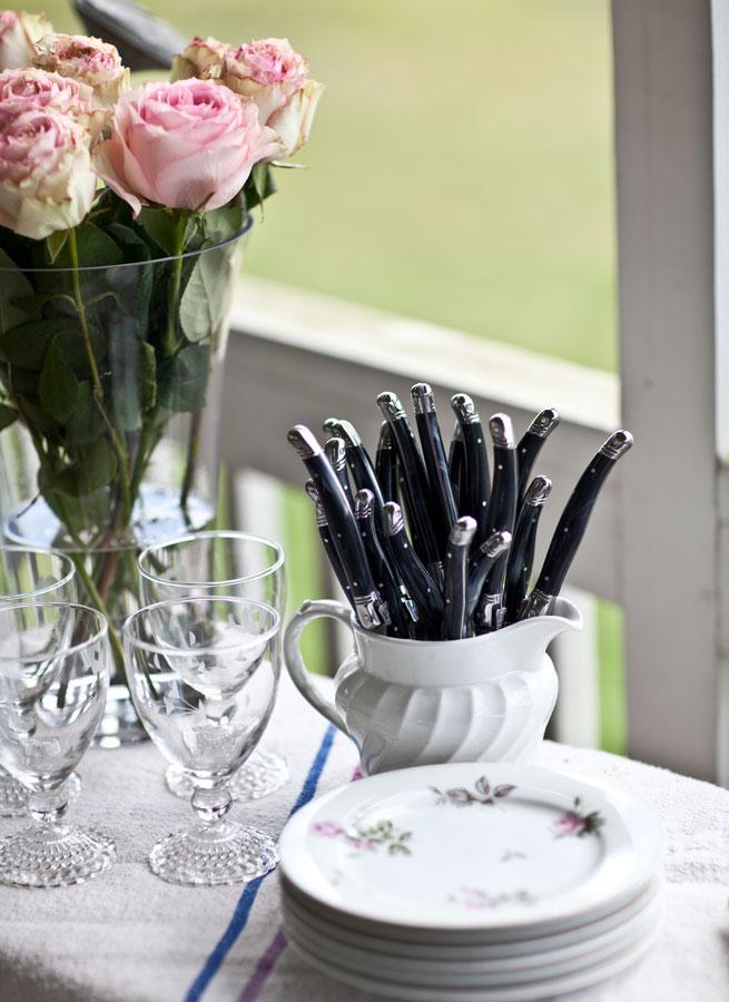 black-silverware