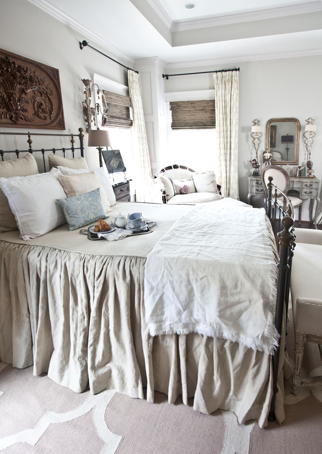 Stunning linen blanket on french bed
