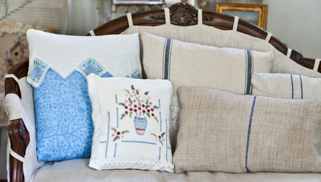 Easy Pillow Tutorial with Vintage Pillowcase