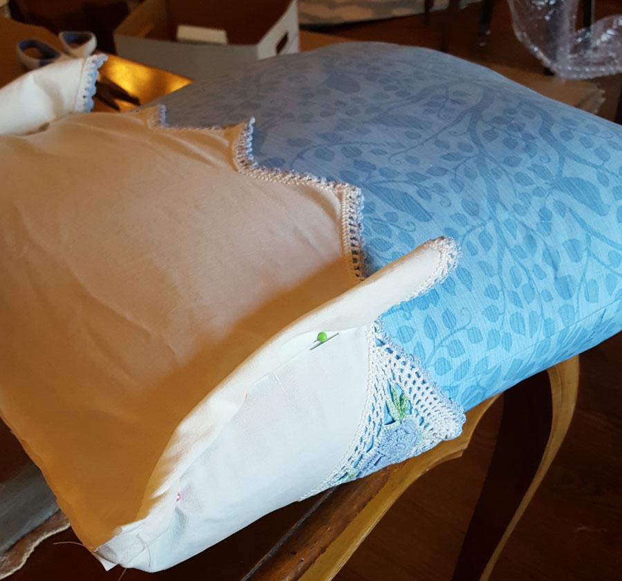 pillow-trim