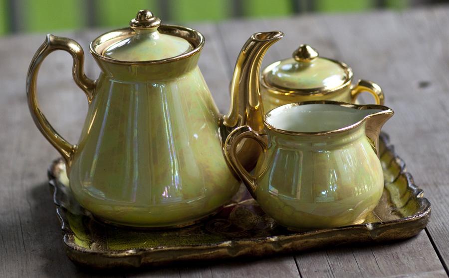 hall pearlized tea set