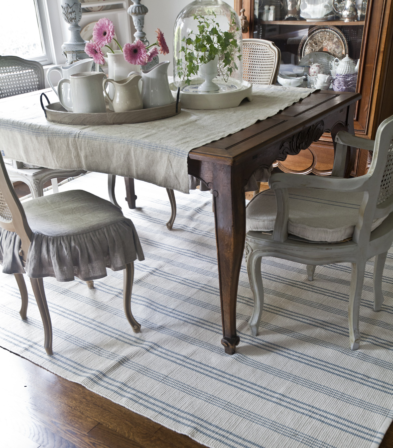 white-and-blue-rug