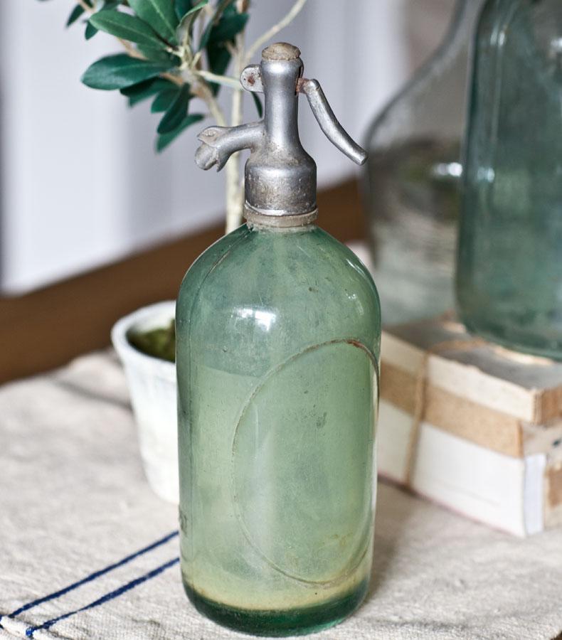 blue-seltzer-bottle