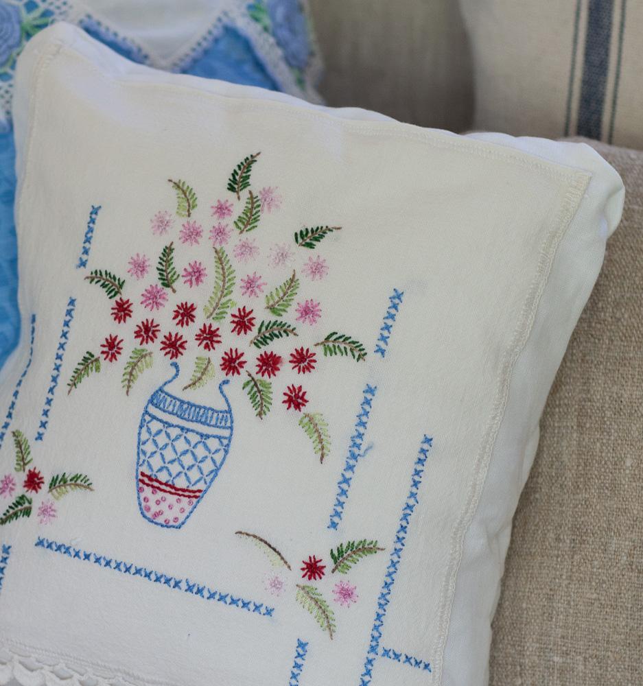 floral-vintage-pillow-10