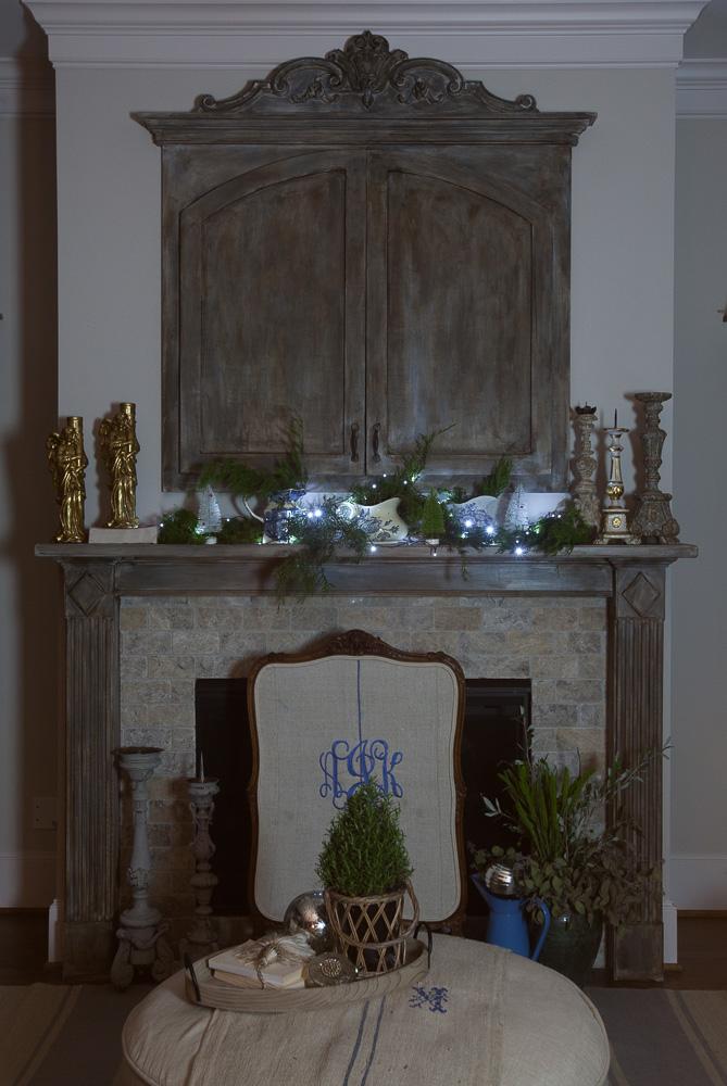 christmas-cedar-hill-farmhouse-2