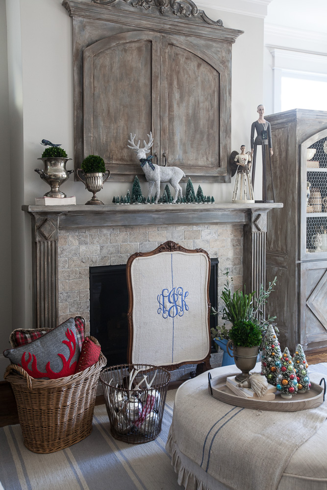 christmas-cedar-hill-farmhouse-9