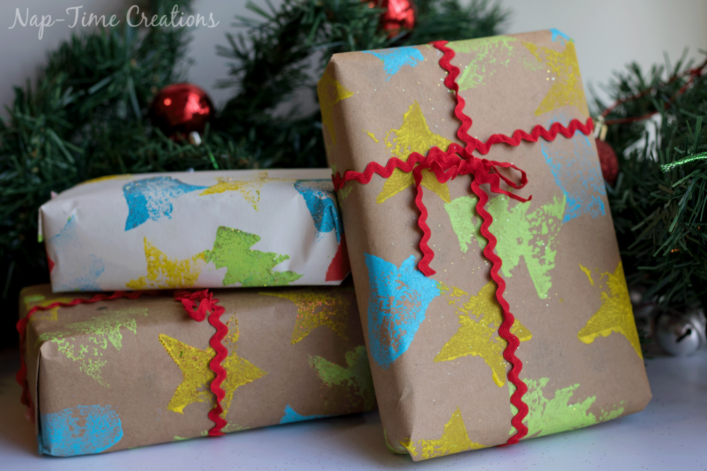 diy-felt-stamps-and-homemade-christmas-wrapping-paper-2-1024x682