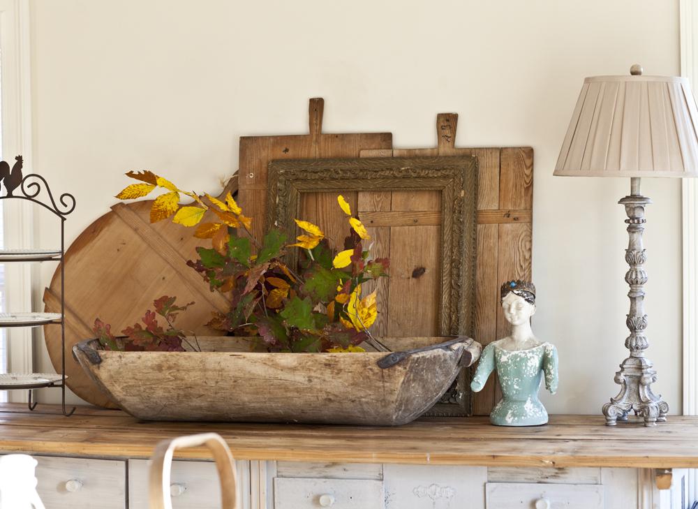 fall-leaves-cedar-hill-farmhouse