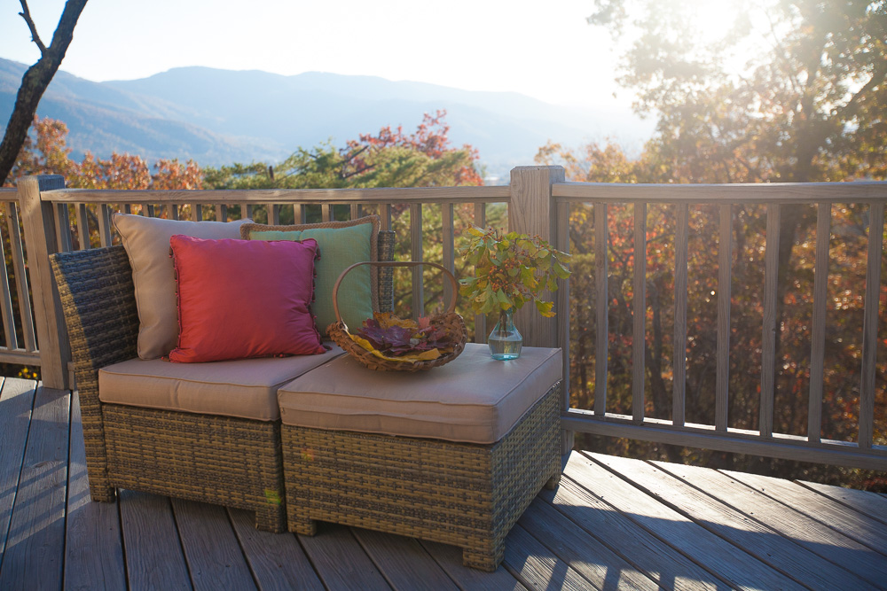 mountain-deck-cedar-hill-farmhouse-16