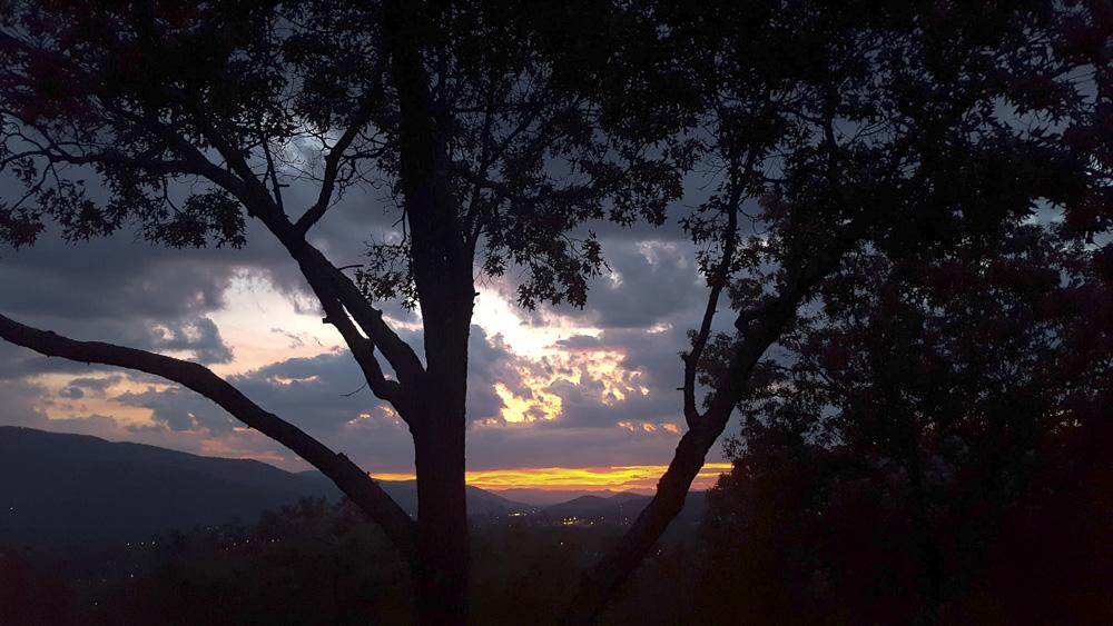 thanksgiving-cedar-hill-farmhouse-mountains-13