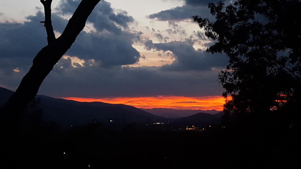 thanksgiving-cedar-hill-farmhouse-mountains-15