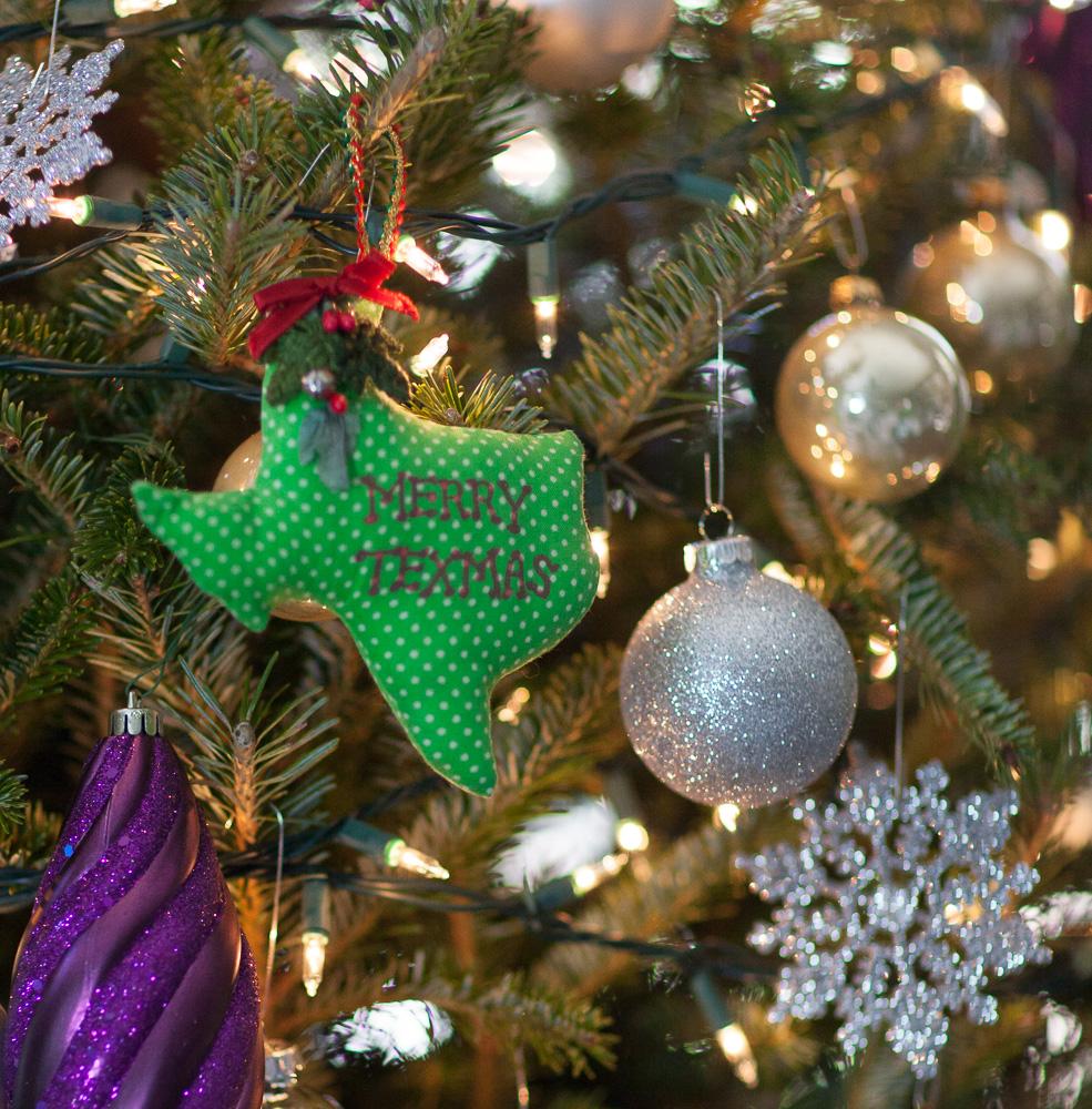 christmas-tree-cedar-hill-farmhouse-5