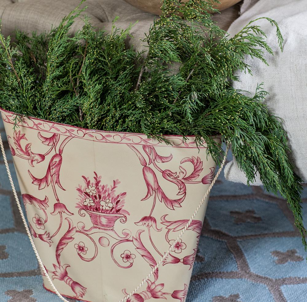 red-and-white-christmas-cedar-hill-farmhouse-2