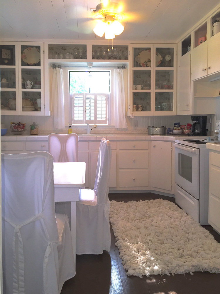 White Tile On The Counters And Beadboard Backsplash Make For A Super Charming Farmhouse Look Budget