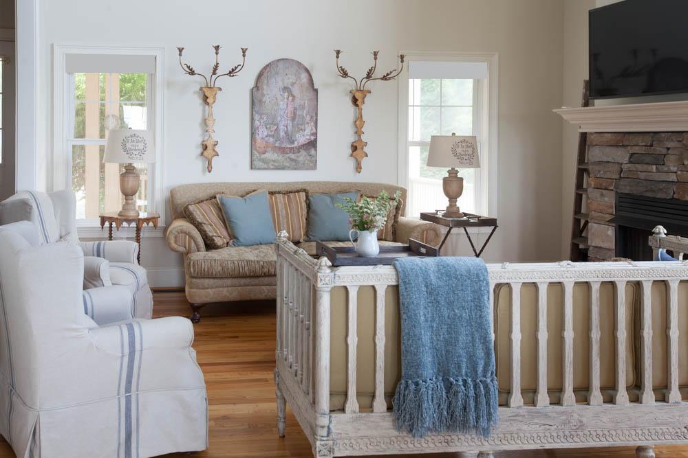 mountain living room sofa and swedish bench