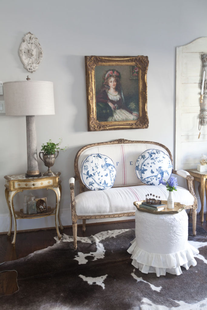 Neutral Versus Color settee and pillows