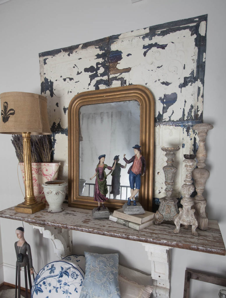 Decorating details shelf