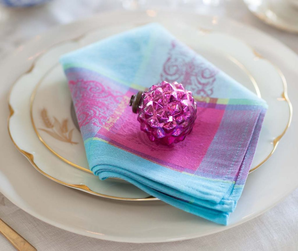 French tablecloths and napkin with ornament