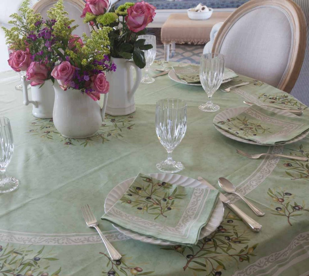 French tablecloths olives with napkins