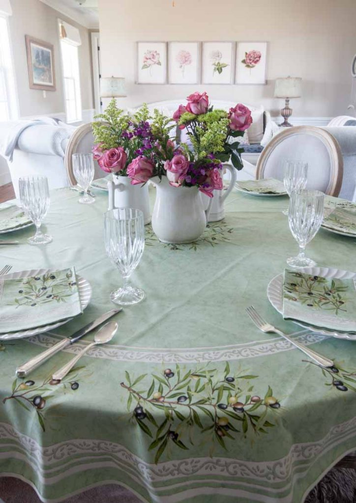 French tablecloths olives