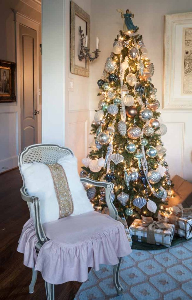 French Christmas tree chair