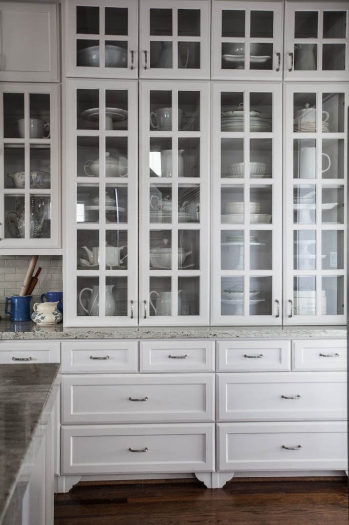 decorate a hutch in kitchen