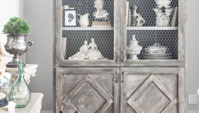 Fresh Ways to Decorate a Hutch