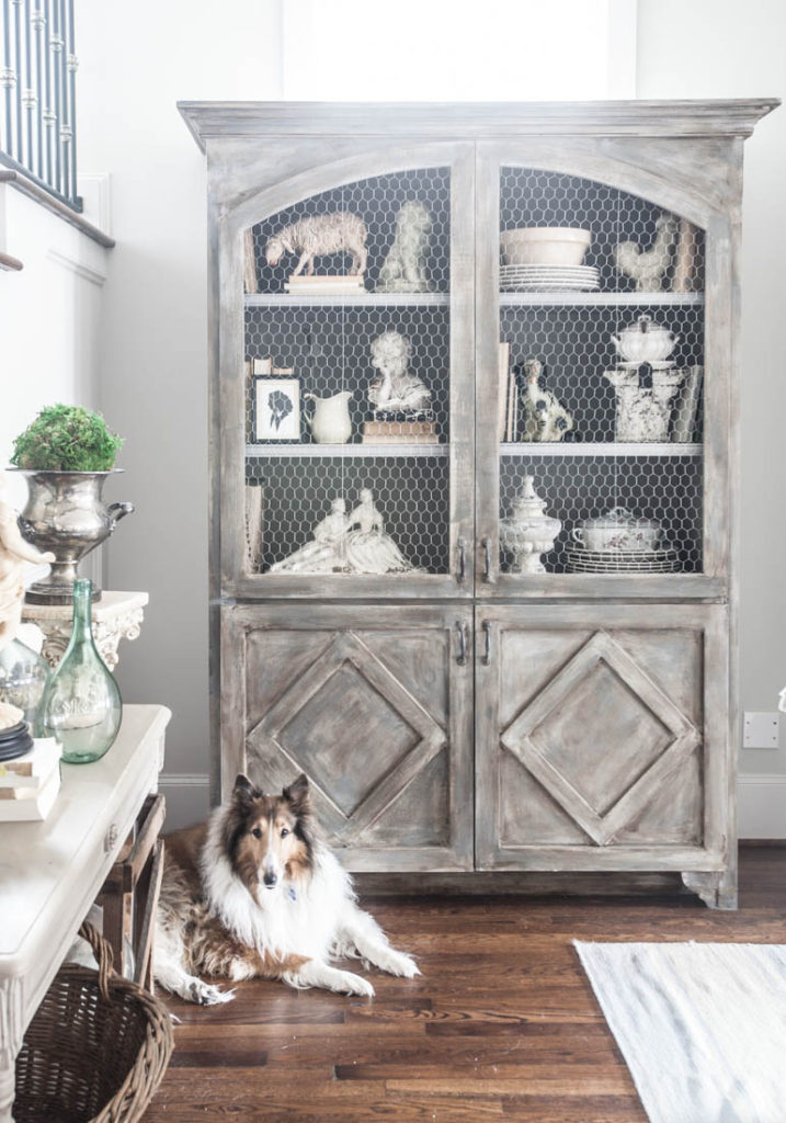 decorate a hutch and collie