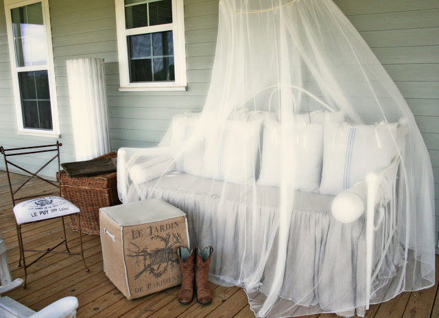 8 above bed décor ideas mosquito netting