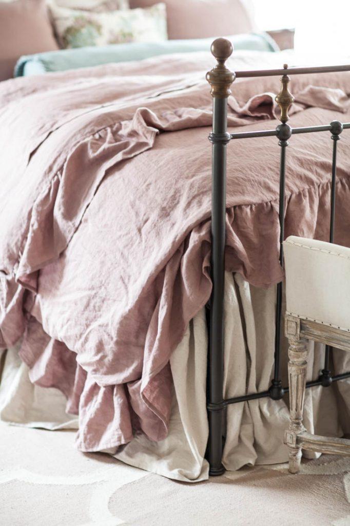 linen ruffled duvet wrinkles