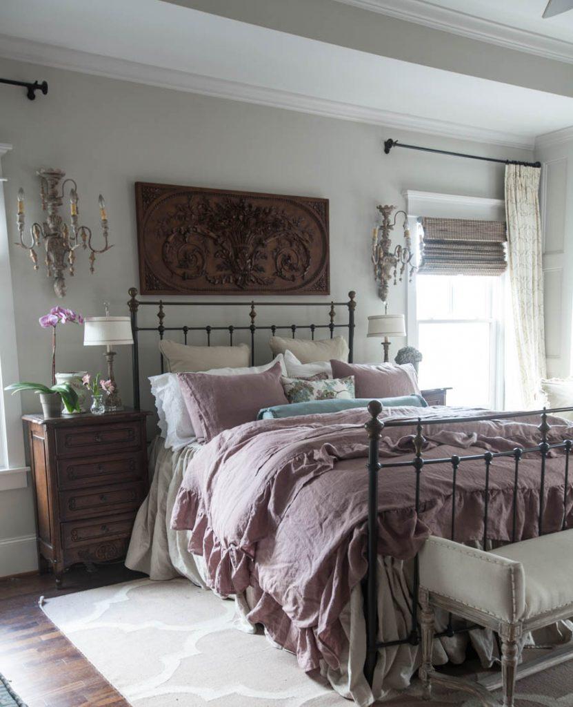 8 Above Bed Décor Ideas - Cedar Hill Farmhouse