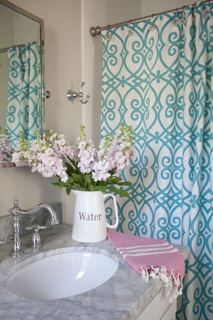 Shower Curtain With Grommets Pattern