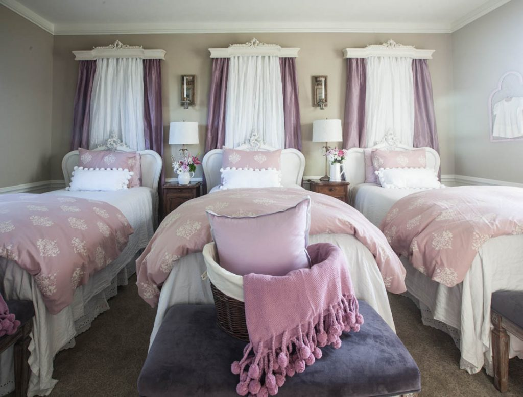 8 above bed décor ideas curtains